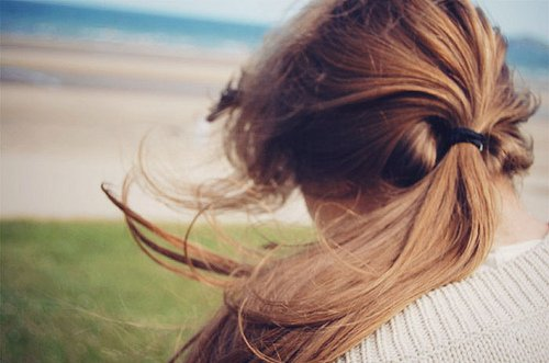 back-blonde-girl-hair-wind-Favim.com-41455